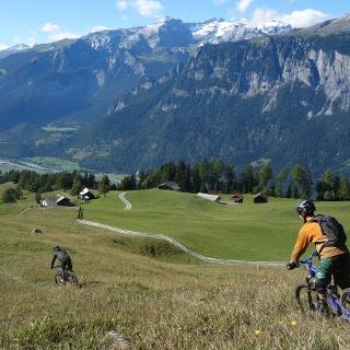 Abfahrt zur Alp Juchs