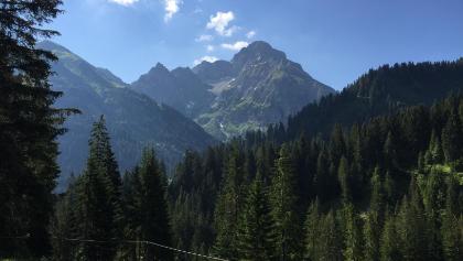 Anfang der Tour zur inneren Turaalpe, Blick zum Tal