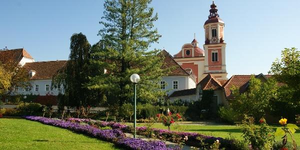 Schloßpark Pöllau, Pfarrkirche Pöllau