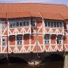 Haus über dem Kanal