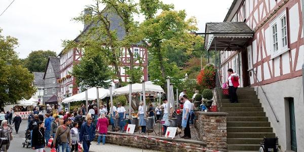 Museumsfest Burbach mit Kunsthandwerkermarkt