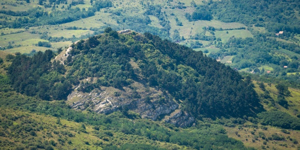 Pohľad na Hegyes-kő z vrchu Gete