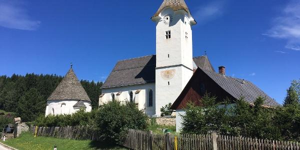 Kirche Pisweg mit Karner