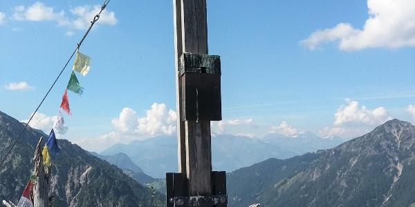 Hölzernes Gipfelkreuz auf dem Goppaschrofen, 1781 m.