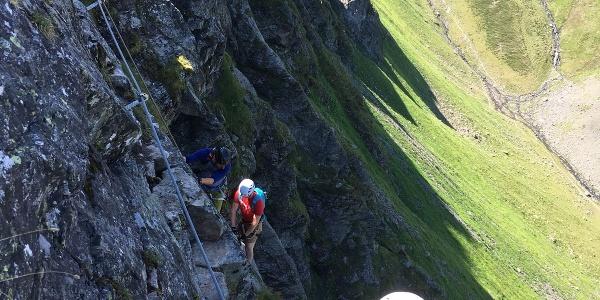 Erste Wand im Klettersteig