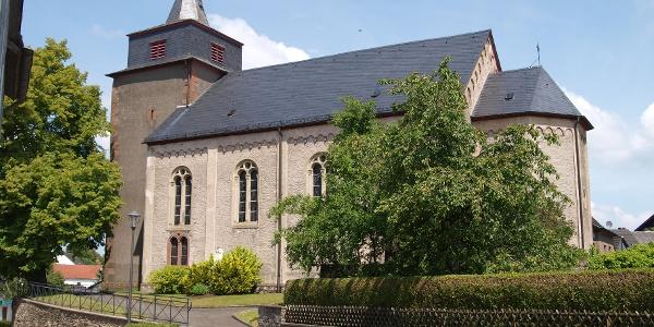 Kirche St. Willibrod Laufeld_Vulkan-Pfad: Grafschaft-Pfad