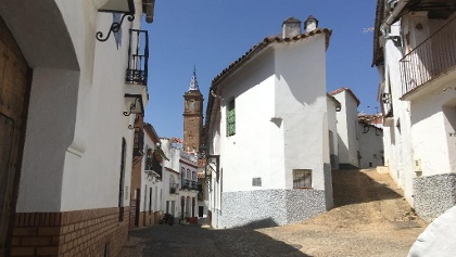 The streets of Valdelarco and Divino Salvador Church.