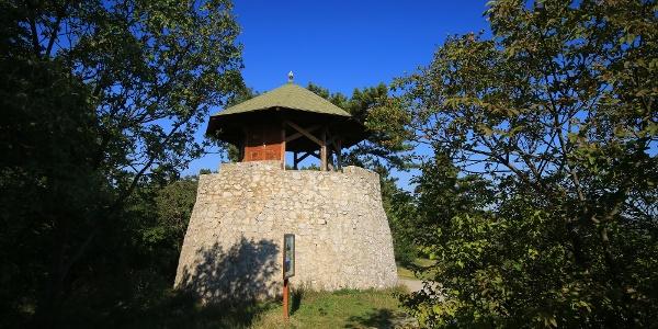 A Bertalan-sziklára épült Flóra-pihenő