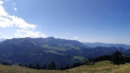 Panorama vom Hohen Ifen über Süd - West bis Hochhäderich