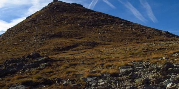 Blick vom Biwak Penne Nere zum Gipfel Becca di Viou