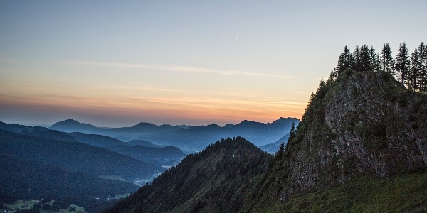 Heuberggrat bei Sonnenaufgang