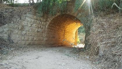 גשר רכבת טורקי מעל נחל מזור