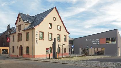 """""""Wiesenthaler K3"""" mit Gästeinformation I Museum I Bibliothek"""