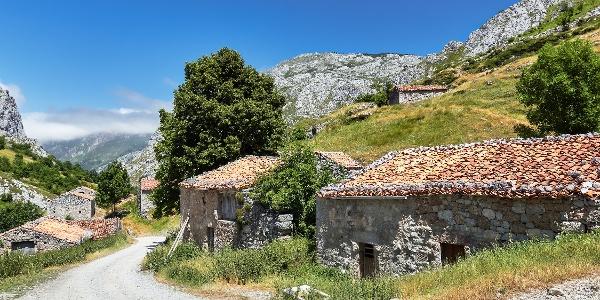 Ruined village near Sotres