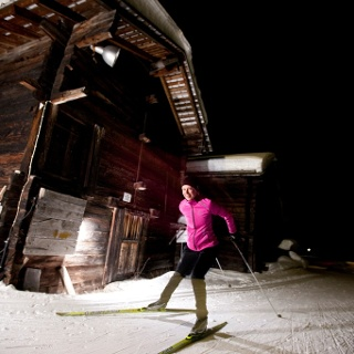 4.5 km cross-country skiing enjoyment in the evening after sunset