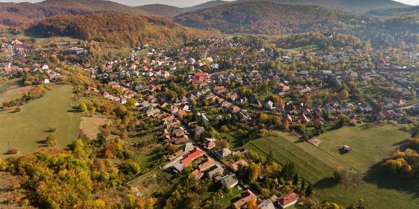 Bükkszentkereszt a kilátó felől, egy őszi drónfelvételen