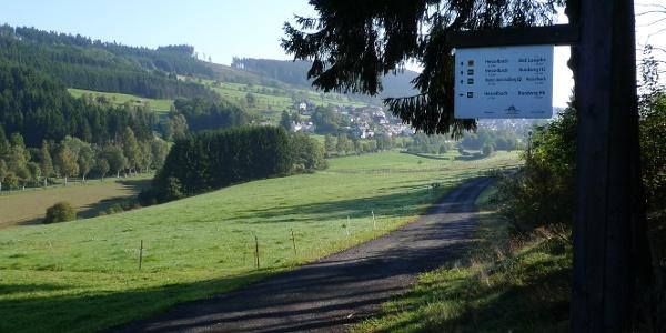 Sicht auf den Wohnmobilstellplatz in Hesselbach
