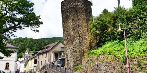 Schiefer Turm in Dausenau
