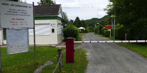 Burbach_Campinganlage zur Löhlenmühle-Einfahrt