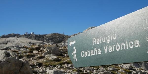 Wegweiser zur Schutzhütte Cabaña Verónica