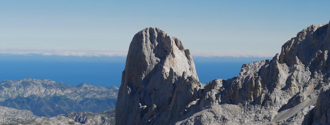 Blick von Los Urrieles auf den imposanten Gipfelaufbau des Picu Urriellu