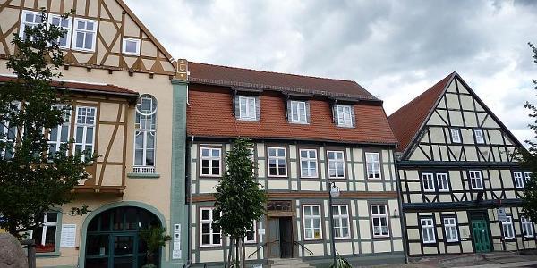 Arneburg, Fachwerkhäuser am Markt