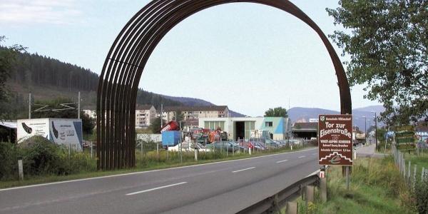 Tor zur steirischen Eisenstrasse in Niklasdorf