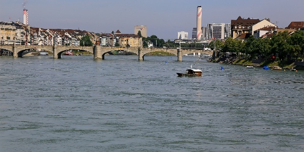 Rhein bei Basel.