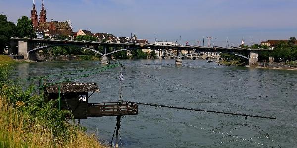 Rhein und Basler Münster.
