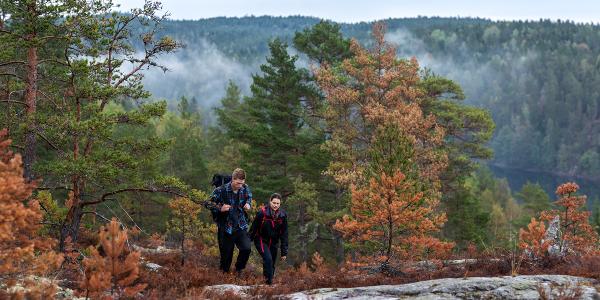 Wanderer auf dem Pilgerweg in Dalsland