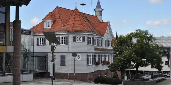 Rathaus Schömberg, Lindenplatz