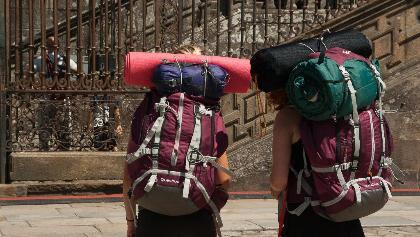 Pilger bei ihrer Ankunft in Santiago de Compostela