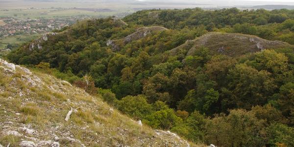 A sziklahasadékairól nevezetes Kőlik-völgy
