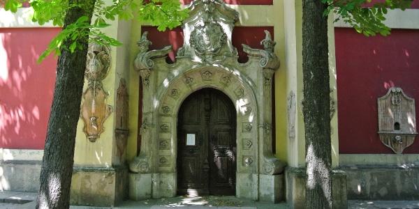 A szentendrei Belgrád székesegyház bejárata