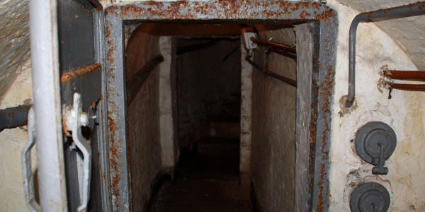 Lovászi óvóhely bejárata