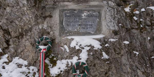 Emléktábla (Olasz-kapu)