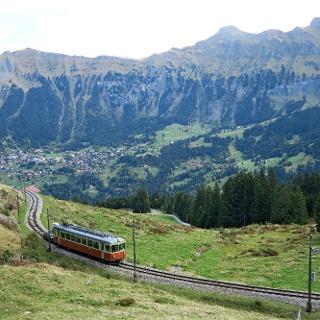 Historische Schmalspurbahn Grütschalp–Mürren.