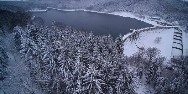 Talsperre Klingenberg im Schnee