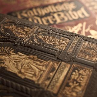 Gebetsbücher in der Fallerhofkapelle, Langenordnach