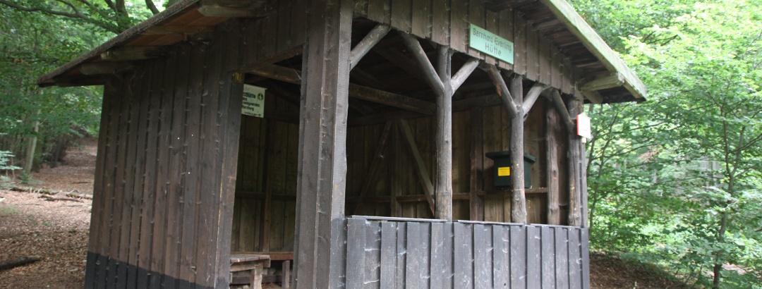 Schutzhütte mit Stempelstelle an der Säperstelle