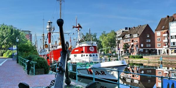 Seenotrettungskreuzer in Emden