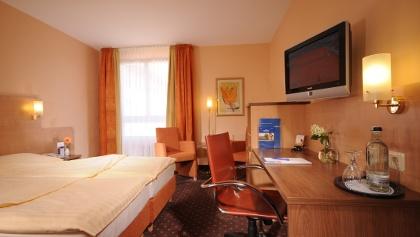 Zimmerausstattung im Amber Hotel Hilden, © AMBER HOTELS