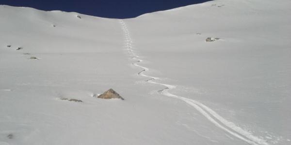 Die Abfahrt vom Gipfelhang