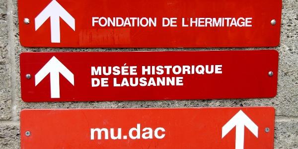 Gut markiert zu den Sehenswürdigkeiten von Lausanne.