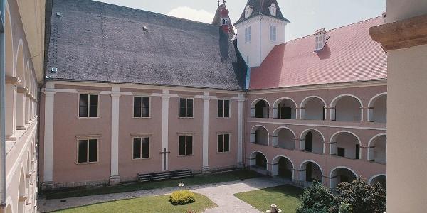 Prälaturhof