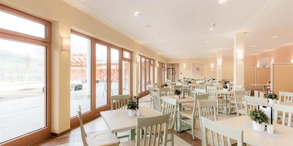 restaurant-jufa-hotel-stubenbergsee-terrassenblick