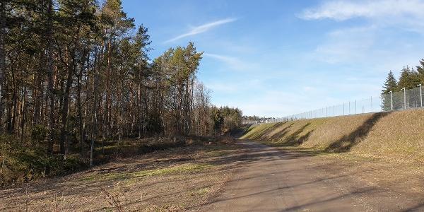 Wegpassage entlang der B50 neu