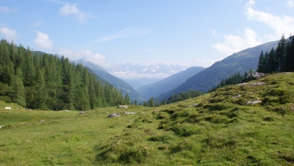 Panoramic view from Ursprungalm to Dachstein through the Preuneggtal valley