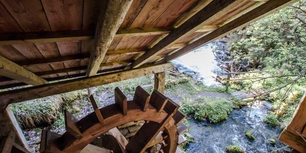 Das Mühlrad der alten Gföller-Mühle