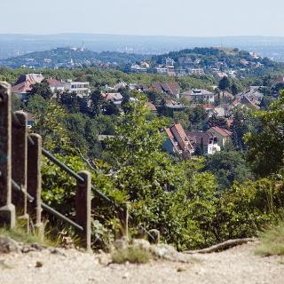 Kilátás a Gellért-hegy felé az Ördög-oromról